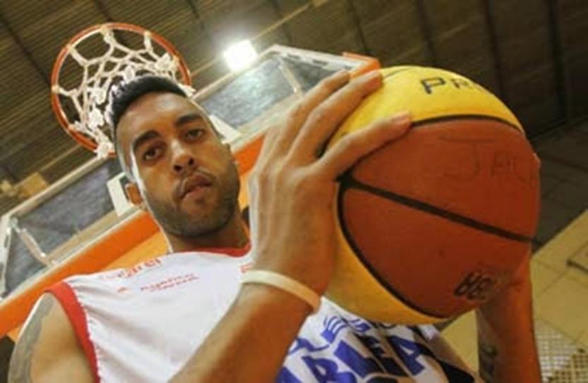 Pivô Adriano Machado é o novo reforço do Jacareí Basketball