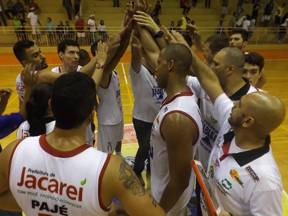 Jacareí Basketball vence Santos e termina o primeiro turno do Paulista como líder invicto