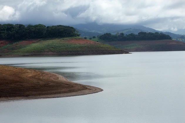 Após chuva no final de semana, índice de água sobe na Cantareira