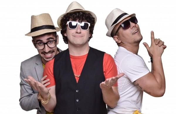 """Eros Prado, do Pânico na Band, chega à Jacareí junto com a banda """"Pagode da Ofensa"""" no espetáculo """"Pra Que Fazer Isso? """""""