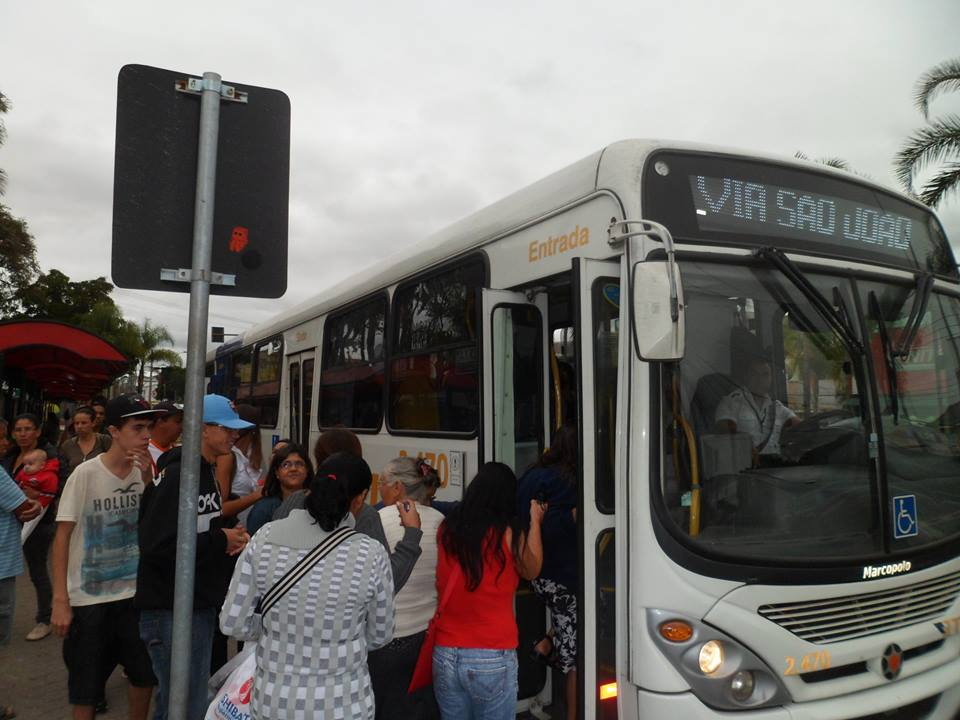 Sindicatos querem suspender reajuste de tarifa de ônibus em Jacareí