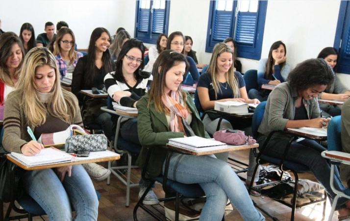 Reforma prevê ensino médio com aumento de carga horária, menos disciplinas e curso 50% opcional