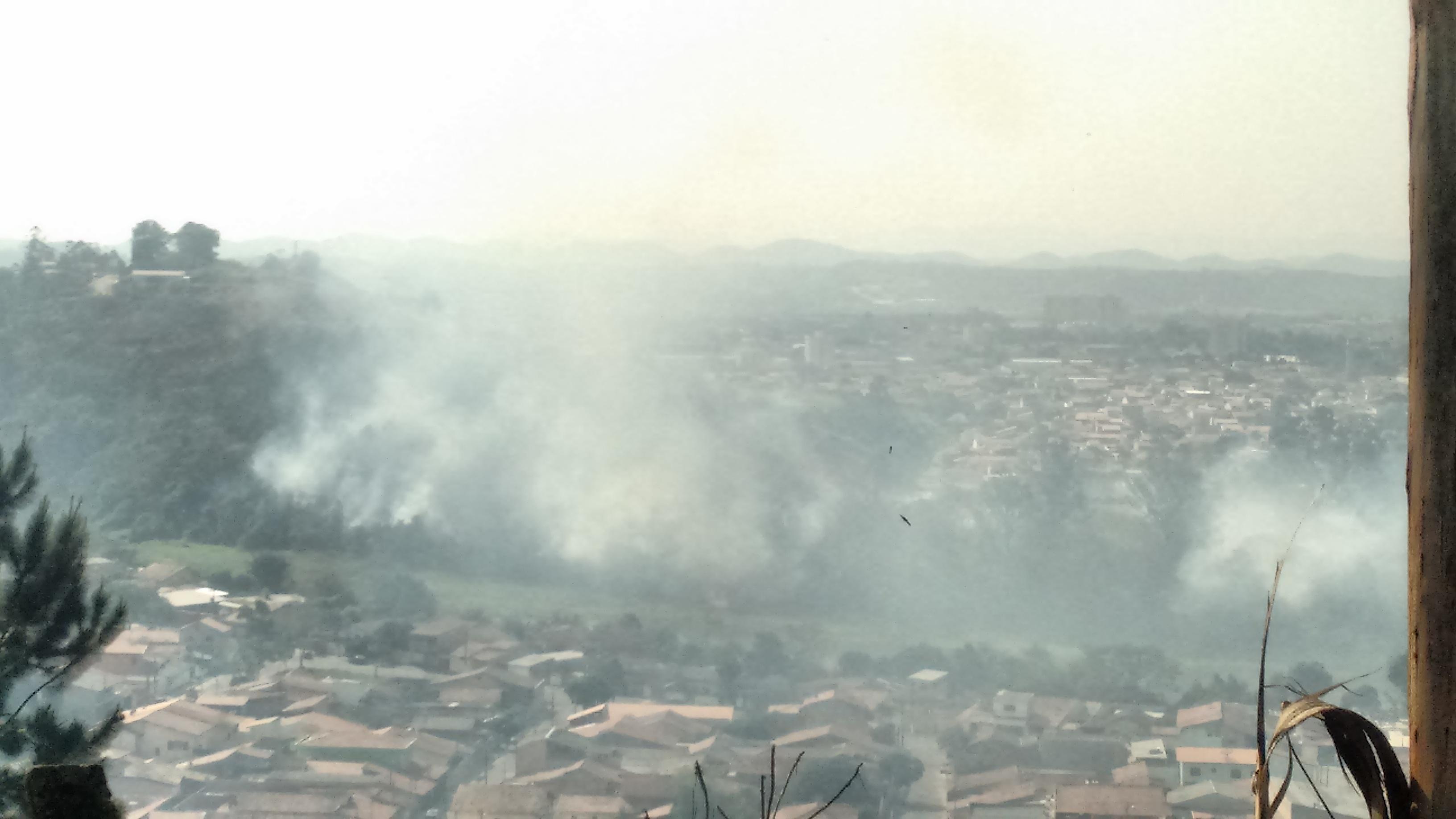 Forte queimada atinge bairros de Jacareí