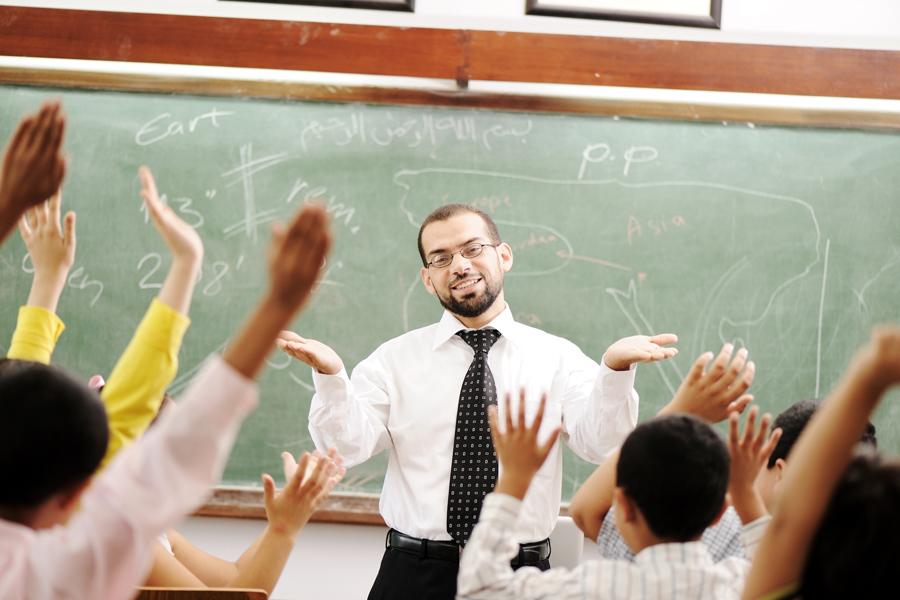 Prefeitura faz projeto de lei para aumentar piso de professores