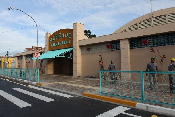 Mercado Municipal fecha no domingo