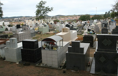 Cemitérios municipais de Jacareí se preparam para o Dia de Finados