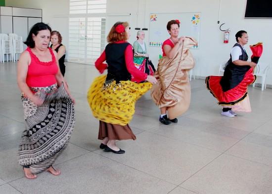 Programa 'Dança Jacareí' inicia atividades no Pagador Andrade