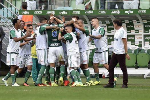 Palmeiras termina primeiro turno na liderança do Brasileirão