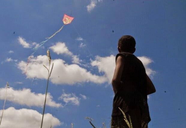NovaDutra reforça campanha de alerta sobre os riscos de empinar pipas