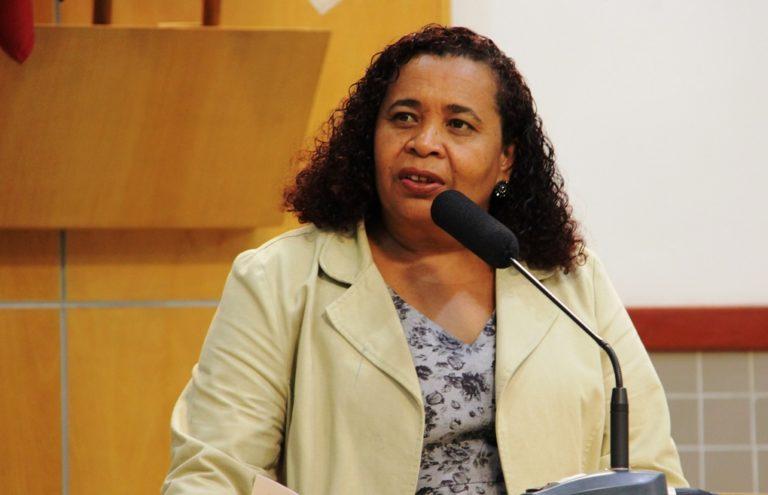 Vereadora questiona motivo de cancelamento de consultas e burocracia