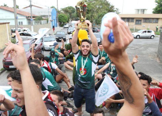 Jacareí Rugby premia destaques da equipe em 2017