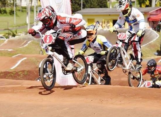 Equipe de Jacareí se destaca na última etapa do Campeonato Paulista de bicicross