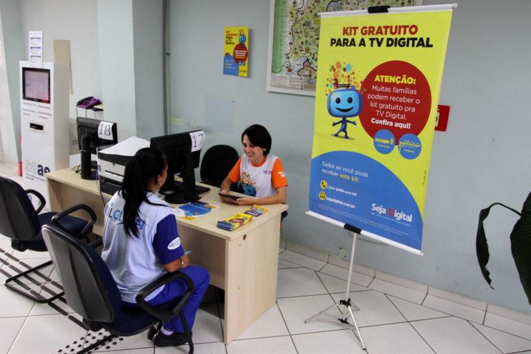 Mais de 10 mil conversores digitais já foram entregues em Jacareí