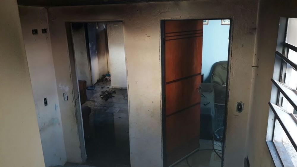 Apartamento é incendiado no Bandeira Branca em Jacareí