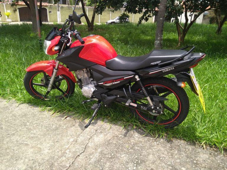 Bandido rouba moto durante aula de direção no Jardim Santa Maria