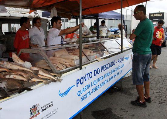 'Ponto do Pescado' diversos tipos de peixes na Semana Santa