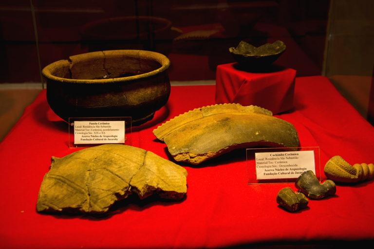 Museu de Jacareí apresenta exposições de arqueologia e igualdade de gênero