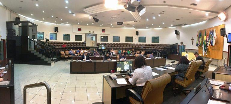 Vereadores aprovam Orçamento e reformas de Izaias na Educação, Mobilidade, Gabinete e Infraestrutura