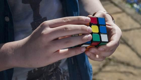 Etec de Jacareí promove quarta edição do Campeonato de Cubo Mágico