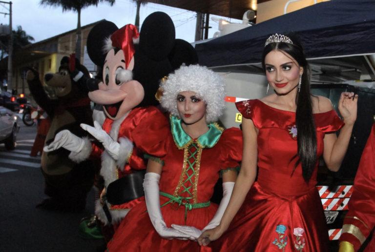 Show com personagens infantis encerra a programação de Natal no domingo