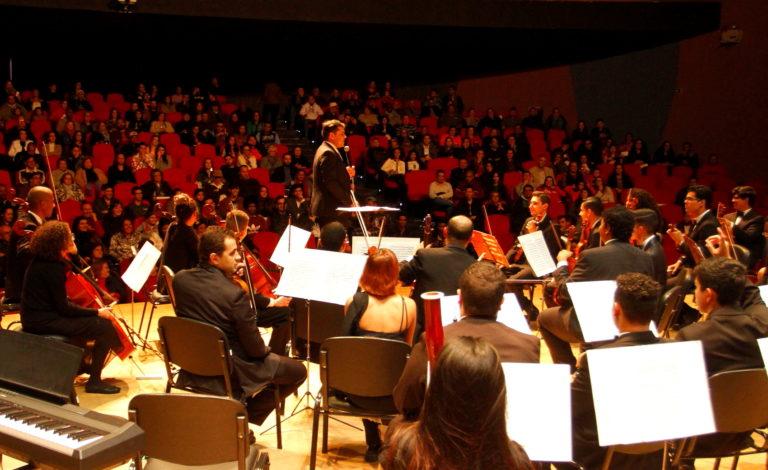 Orquestra e Banda Sinfônicas se apresentam em Jacareí