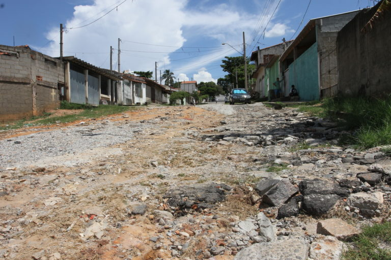 Prefeitura assina convênio para finalizar a pavimentação no Jardim Paraíso