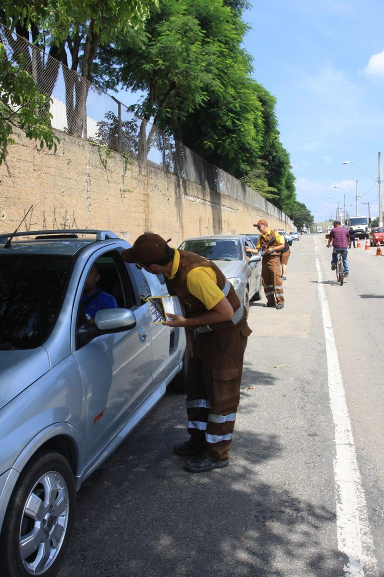 Prefeitura realiza blitz  educativa sobre limites de velocidade