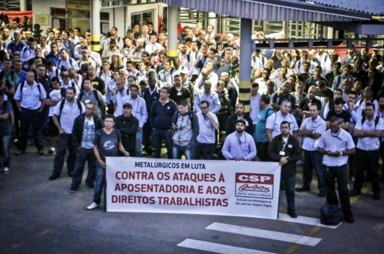 Metalúrgicos da região protestam contra reforma da Previdência