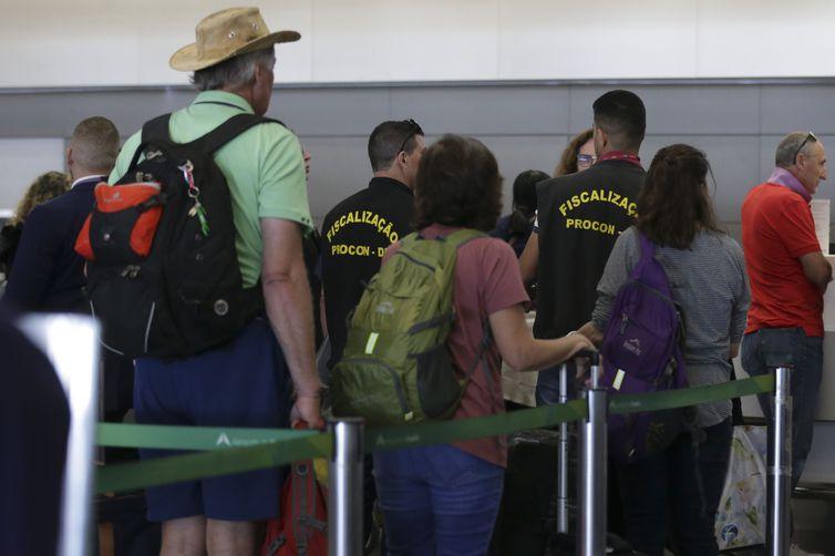 Aeroportos reforçam fiscalização de bagagens de mão