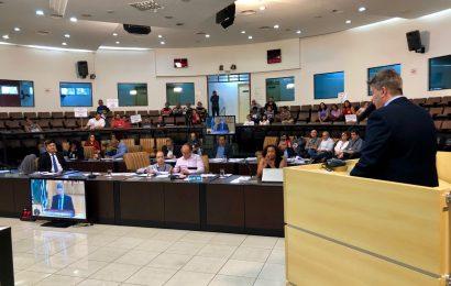 Câmara aprova reajuste salarial para servidores e rejeita reajuste para secretários municipais