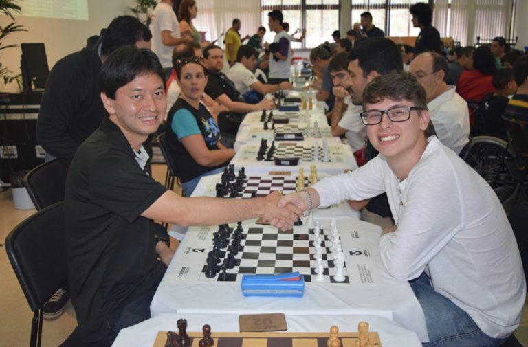 Equipe jacareiense é destaque em circuito de xadrez