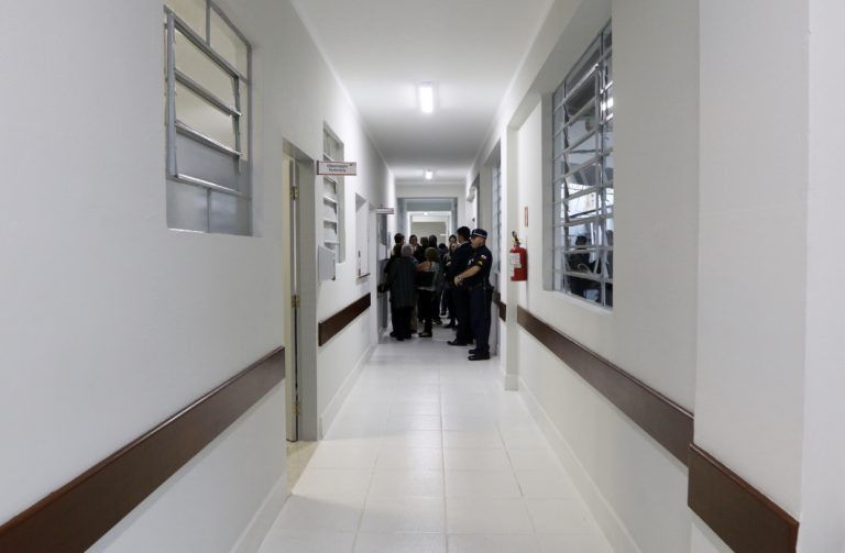 Santa Casa tem corredor reformado por meio de doações