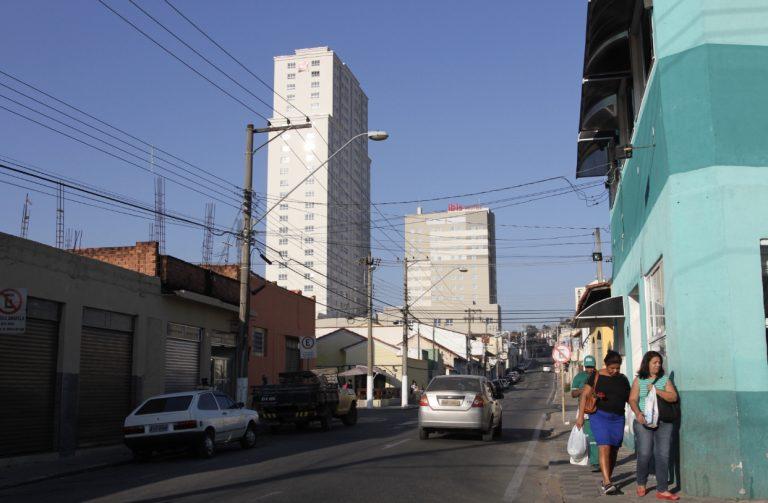 Obra de drenagem na Rua Tiradentes inicia nesta terça-feira