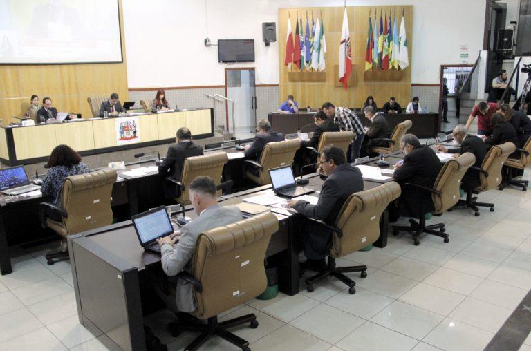 Câmara adia projeto que trata sobre regras para condutores escolares de Jacareí