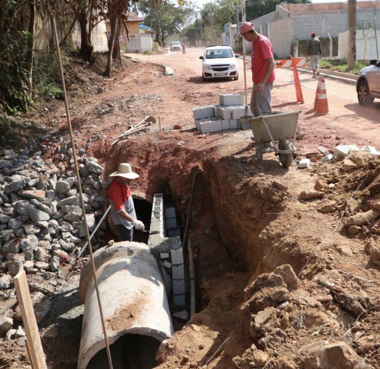 Ruas no Igarapés continham com obras