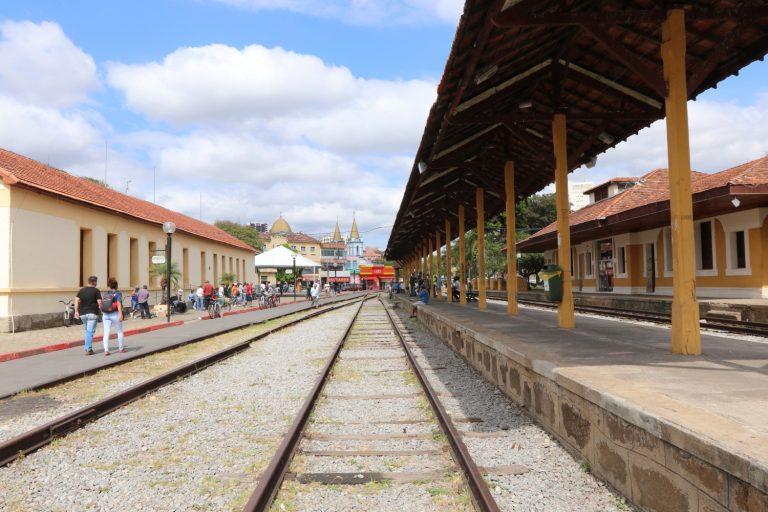 Black Friday: Base móvel do Procon orienta consumidor em Jacareí