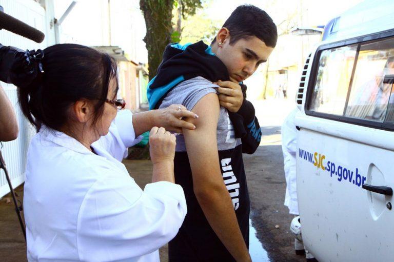 Vacinação de jovens contra o sarampo começa nesta segunda em São José