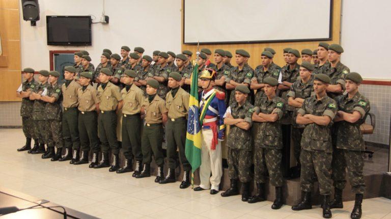 Câmara homenageia atiradores do Exército Brasileiro de Jacareí