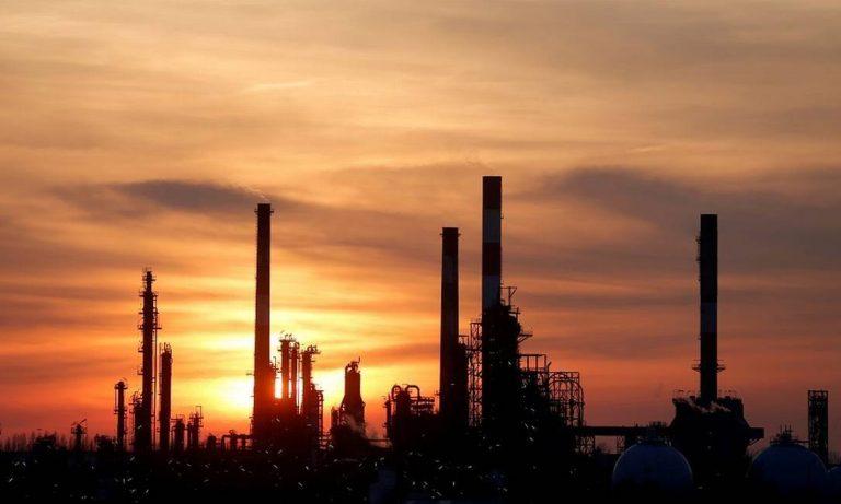 Preço do petróleo sobe e mercados se agitam após ataque do Irã
