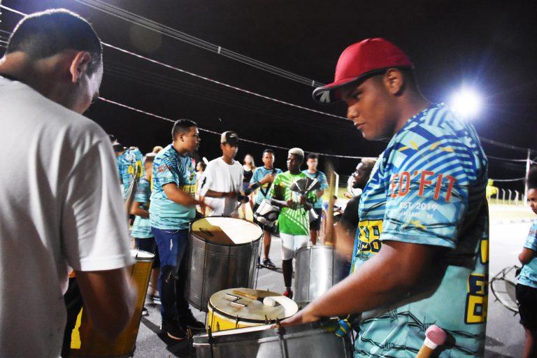 Domingo tem desfile de  carnaval em Jacareí