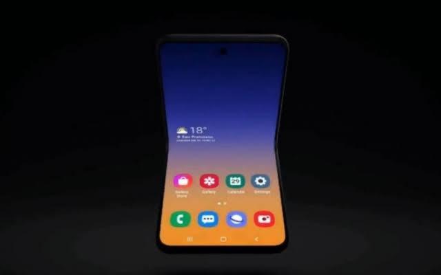 Samsung revela novo celular dobrável