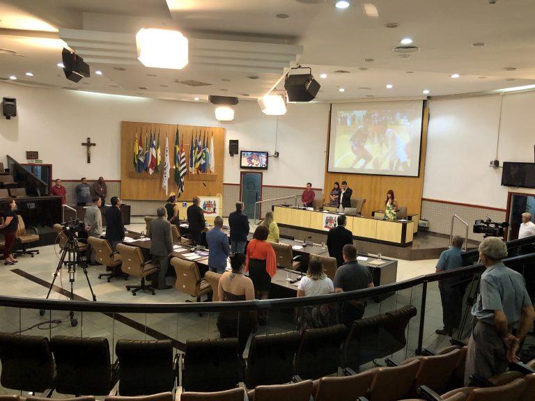Câmara aprova liberação de comércio ambulante ao redor dos cemitérios municipais