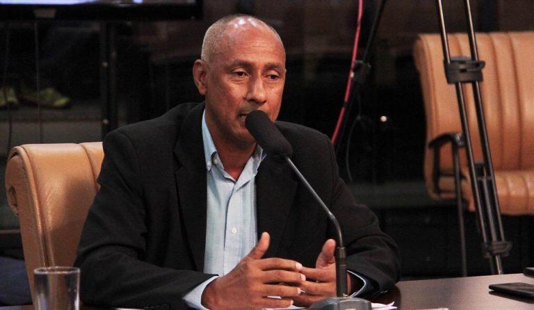 Vereador questiona Izaias sobre construção do Pronto Socorro