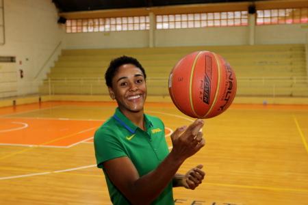 Basquete: pivô Vitória Maria, campeã da LBF 2019, aproveita férias e treina em Jacareí