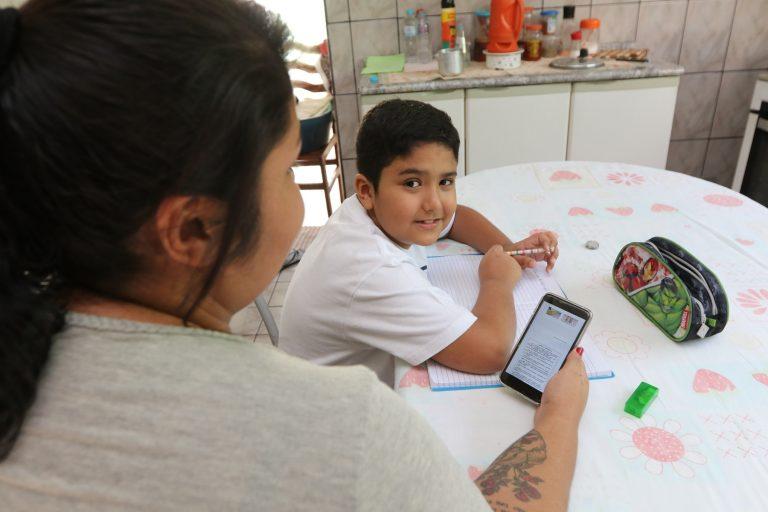 Educação de Jacareí dá dicas às famílias sobre como conduzir os estudos em casa