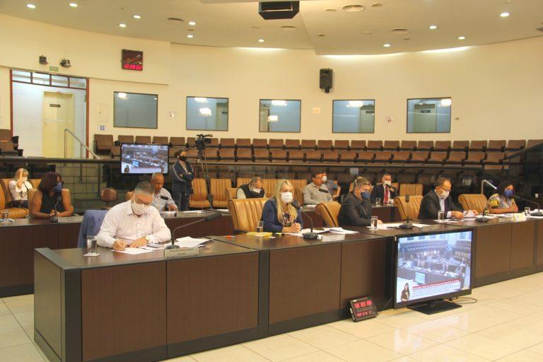 Câmara aprova projetos assistenciais de Izaias