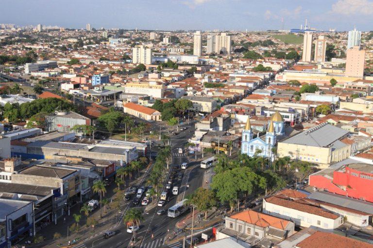 Prefeitura de Jacareí realiza 'força-tarefa' com a PM para fiscalização de estabelecimentos após alteração nos horários de funcionamento de bares, adegas e similares