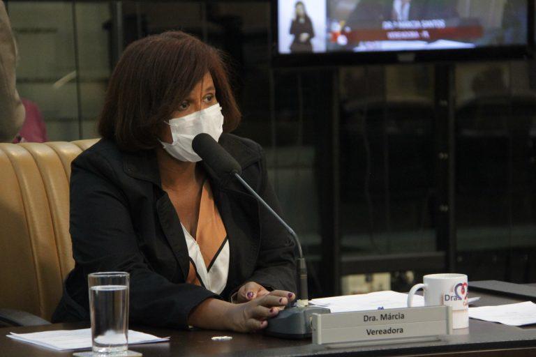 Vereadora quer mais veículos de transporte público nos horários de pico