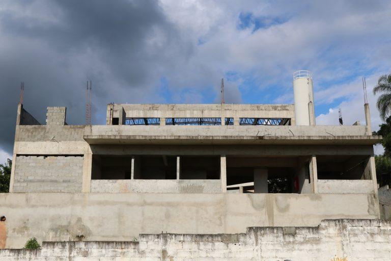 Prefeitura dá ordem de serviço para construção de EMEIF Santo Antônio da Boa Vista e creche do Parque Meia-Lua