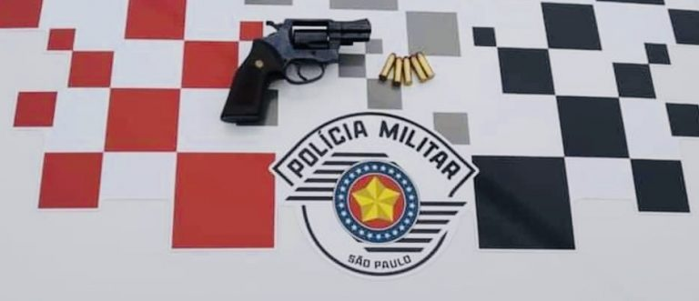 PM prende homem com arma de fogo em Jacareí